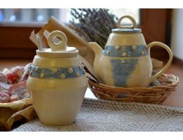 Бело-голубой набор: чайник и сахарница